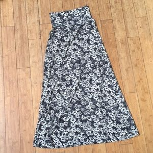 Mossimo XS Black/White/grey floral Maxi Skirt